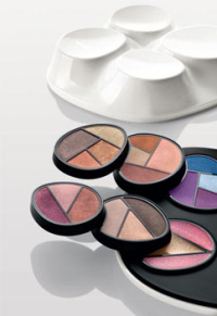 Mario Trimarchi has designed the Java beauty kit.