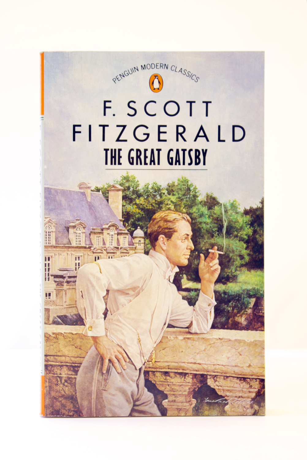a short summary of the novel the great gatsby by f scott fitzgerald Short summary set in 1922, the novel is narrated by nick carraway, a young man who has come to seek his fortune in new york and lives next door to gatsby nick invites daisy over for tea without telling her that gatsby will be there, and then leaves the two of them alone together.