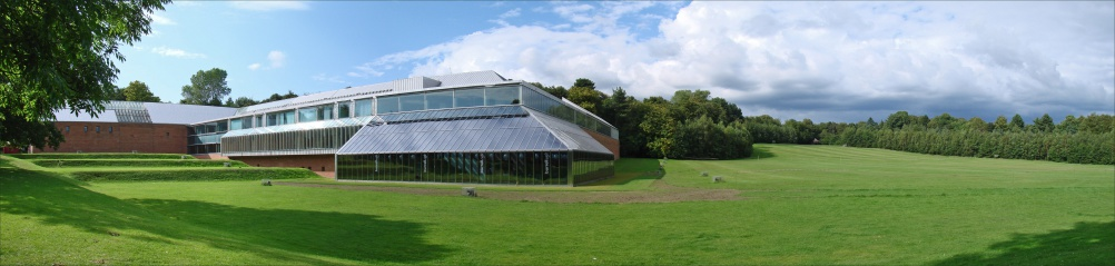 The Burrell Collection Building, image by Jean-Pierre Dalbéra